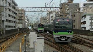 平日朝ラッシュ時の京王線・京王新線笹塚駅