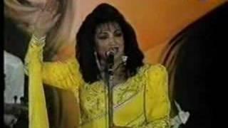 getlinkyoutube.com-Samira Tawfik - Ataba + Aala Dalaona (LIVE)