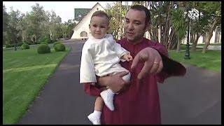 getlinkyoutube.com-فيديو يعرض لأول مرة عن حياة الملك الأب محمد السادس داخل أسوار القصر الملكي، لا تفوِّت المشاهدة