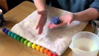 getlinkyoutube.com-How to make felt balls with Rachael Greenland