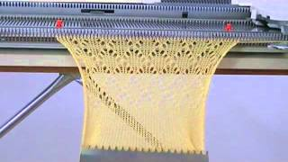 getlinkyoutube.com-Testing the LC-2 lace carriage with my Singer 740 knitting machine