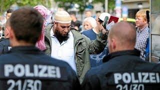 getlinkyoutube.com-Polizei Alltag in der Bundesrepublik Deutschland GmbH