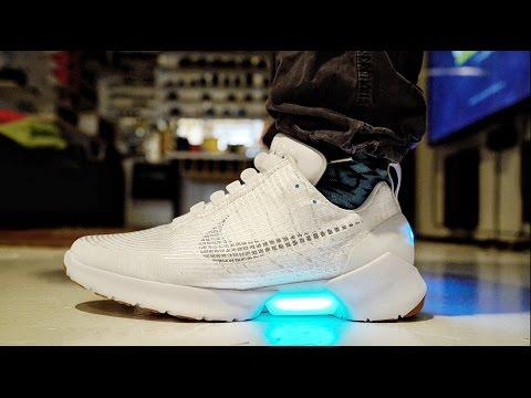 HYPERADAPT MOTORIZED SELF LACING Nike's