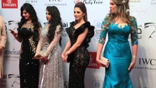 """getlinkyoutube.com-سباق فساتين نجمات دبي السينمائي على """"الحمراء"""""""