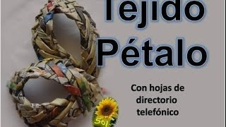 getlinkyoutube.com-Tejido pétalo cestería con papel periódico - Petal basket weaving fabric with newspaper