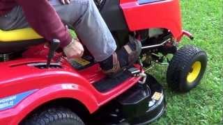 getlinkyoutube.com-Tracteur-tondeuse Wolf Garten démo.MTS