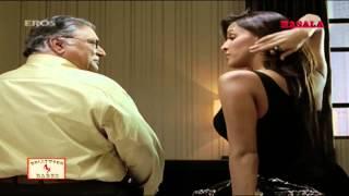 getlinkyoutube.com-Neha Dhupia tries to seduce an oldy -  De Dana Dan