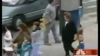 getlinkyoutube.com-STRANGER DANGER - CHILD ABDUCTIONS : Would Anyone Help Your Child When Being Abducted?