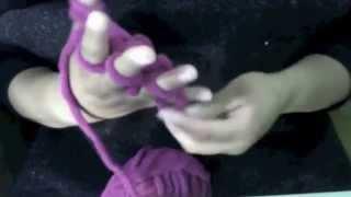 getlinkyoutube.com-como tejer una bufanda con los dedos de la mano