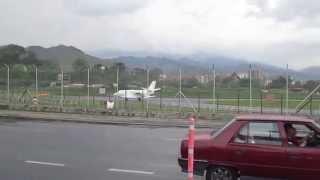 getlinkyoutube.com-avion del presidente saliendo del enrique olaya herrera de medellin