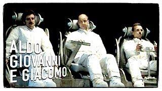 getlinkyoutube.com-Gli Astronauti - I Corti | Aldo Giovanni e Giacomo