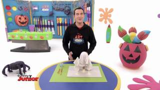 Art Attack - Le Revenant Phosphorescent - Disney Junior - VF