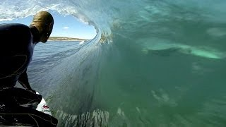 getlinkyoutube.com-GoPro: Kelly Slater and Dolphins Surf The Box