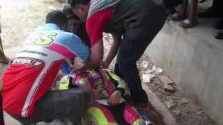 getlinkyoutube.com-pembalap wanita ini jatuh dan lehernya patah
