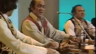 Mehdi Hassan Live   Mohabbat Karne Wale Kam Na Honge