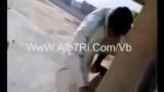 getlinkyoutube.com-طاح وهو يفقع من المدرسه