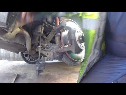 Расположение у Mini One задних тормозных колодок
