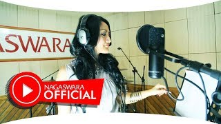 getlinkyoutube.com-Siti Badriah - Melanggar Hukum - Official Music Video - NAGASWARA