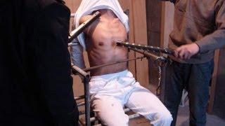 """getlinkyoutube.com-Как """"пешки"""" Ислама Каримова пытают мусульман в узбекских тюрьмах."""