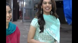 Miss World 2017 Manushi Chillar visits Siddhivinayak Temple with family, offers prayers