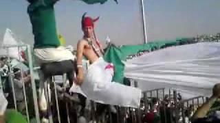 getlinkyoutube.com-les Algerien à khartoum avec le drapo de la palestine.