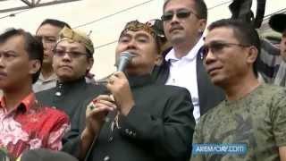 getlinkyoutube.com-Aksi Demo Aremania di depan Balai Kota Malang (26 April 2015)