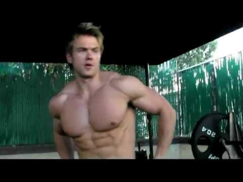Фитнес модель. мотивация как нужно пахать в зале
