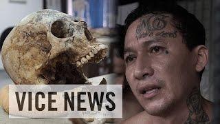 getlinkyoutube.com-Gangs of El Salvador (Full Length)