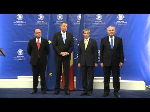 Ceremonia de predare-primire a mandatului de ministru al afacerilor externe, în prezenţa preşedintelui Klaus Iohannis şi a prim-ministrului Dacian Cioloş