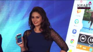 Huma Qureshi at Samsung Launch
