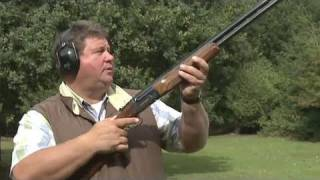 getlinkyoutube.com-Fieldsports Britain - Clayshooting cartridges with Digweed, rough shooting and straight shooting