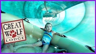 getlinkyoutube.com-LITTLE GIRL BRAVES HUGE RIDE AT GREAT WOLF LODGE WATER PARK