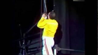 getlinkyoutube.com-Queen - Under Pressure (Live at Wembley 11.07.1986)