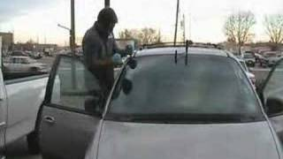 getlinkyoutube.com-Windshield removal to install new windshield