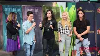 getlinkyoutube.com-#DescendantsFanEvent Sofia Carson, Dove Cameron, Booboo Stewart, Cameron Boyce #Disney #Descendants
