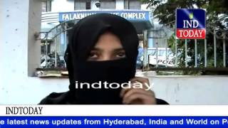 getlinkyoutube.com-Youth fight over girl, attacks brother in Old City Hyderabad | Presidency Jr College Falaknuma