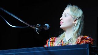 getlinkyoutube.com-Stina chante Telt yyam de - L. Aït Menguellet (a TIGZIRT )