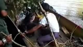 getlinkyoutube.com-Budak Lelaki Dalam Perut Buaya  1/3