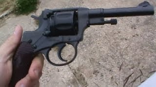 getlinkyoutube.com-Russian M 1895 Nagant revolver in 7.62 Nagant caliber (7.62x38R) shooting for the first time