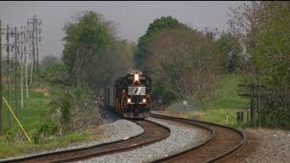 getlinkyoutube.com-Trains on the Norfolk Southern Harrisburg Line Late Spring 2013