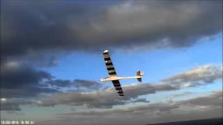 getlinkyoutube.com-Phoenix 2000 slope glider at Bratton Camp. Ave 20 mph winds