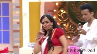 Roshini Chopra Navel show