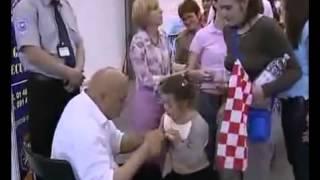 دجال الصخيرات المكي في دولة البوسنة و الهرسك
