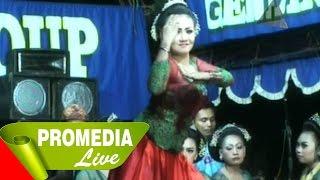 getlinkyoutube.com-Balik Moal Ngiriman Moal - Jaipongan Layung Group (11-8-2014)