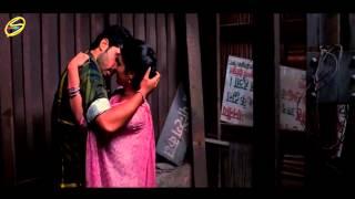 getlinkyoutube.com-Romantic Kiss Scene Ishaqzaade HD 1080p First Kiss