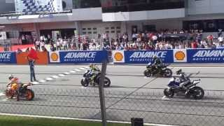 getlinkyoutube.com-Starting Sound of MotoGP 2013 Sepang (HD Sound)