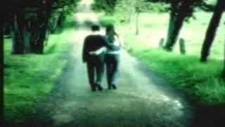 getlinkyoutube.com-Debes buscarte un nuevo amor - Tranzas