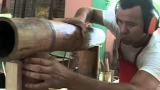getlinkyoutube.com-Guillermo Rodríguez artista cubano hace muebles con bambú en San José de las Lajas.Cuba.