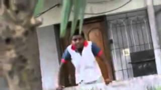 getlinkyoutube.com-Lo golpearon por pendejo