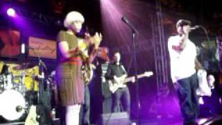 Roots, Erykah Badu, Eve Perform